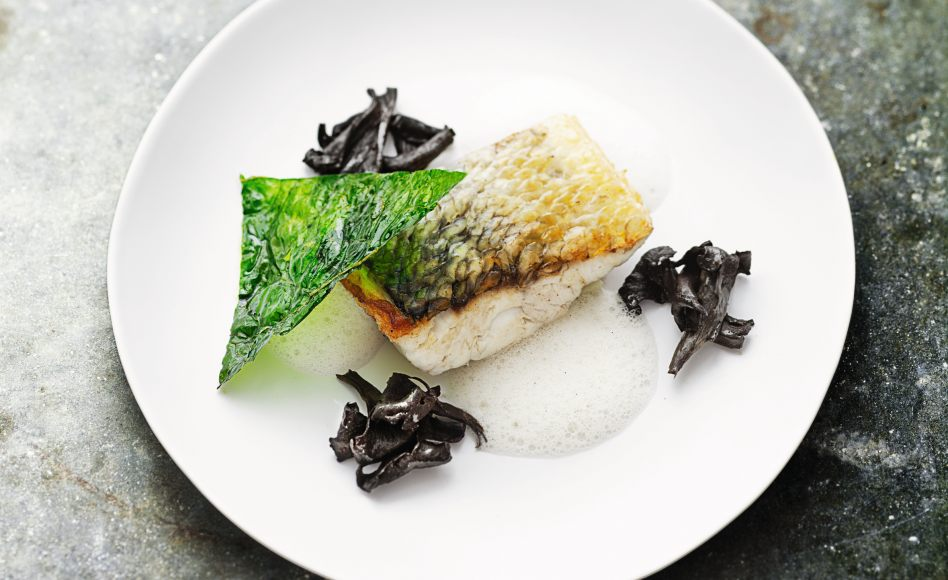 Grilled sea bass with sweet spices