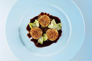 Baked Scallops with Endive and Beef Daube Sauce
