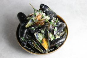 Mussels in parsley and cream sauce by Alain Ducasse
