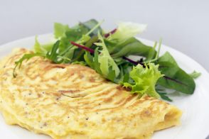 Omelet with comté cheese by Alain Ducasse