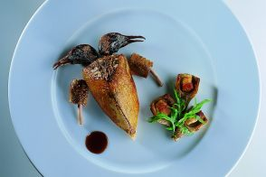 Squab with Artichoke Canapés and Salmis Sauce
