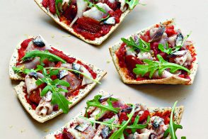 Poppy Seed Tarts with Tomato and Tuna
