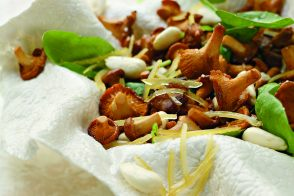 Pan-Fried Chanterelles with Almonds and Lemon