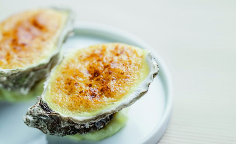 Recipe of oyster gratin with champagne by Alain Ducasse
