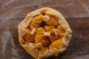 Peach Tart Recipe by Académie du Goût