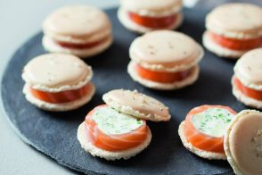 Goat cheese, salmon and apple macarons recipes by All My Chefs